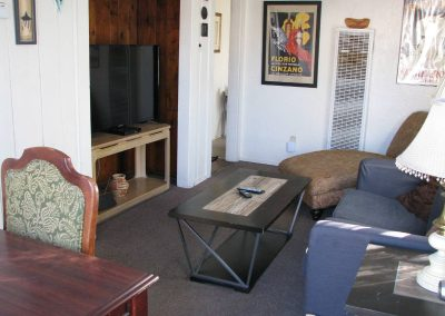 Roxbury South 7 Livingroom 2