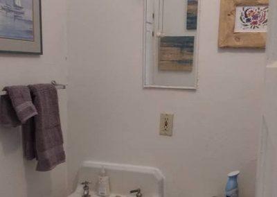 Roxbury West Unit G Bathroom