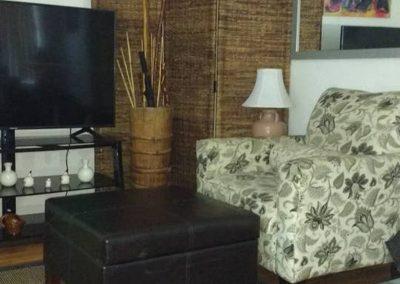 Roxbury West Unit G Livingroom 3