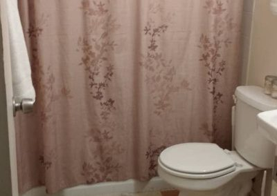 The Roxbuy 1 Bathroom