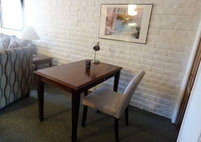 Roxbury South 1 Desk