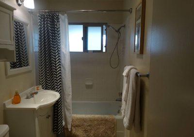The Roxbury Garden 04D Bathroom